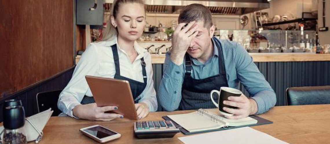 Stressed-Restaurant-Owners-600x309